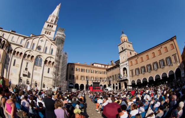 A Modena, la filosofia diverte