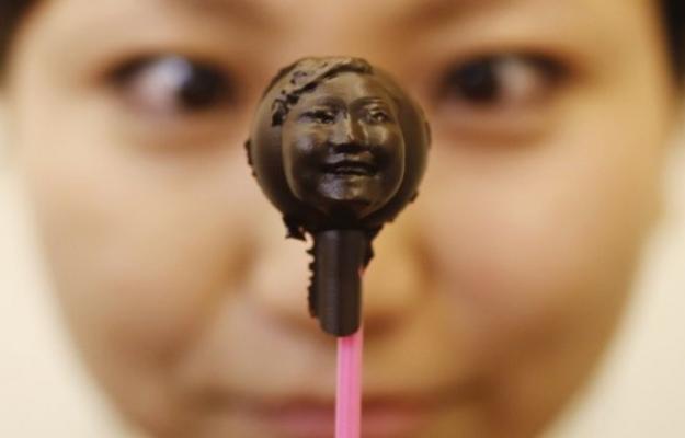 Mangiami, sono un selfie di cioccolato