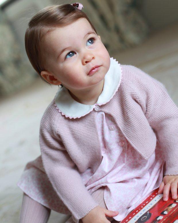 Piccole principesse crescono. Charlotte compie un anno.
