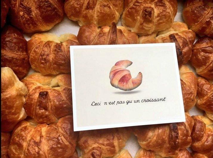 Un dolcissimo Brexit: francesi e inglesi si scambiano croissant e scones