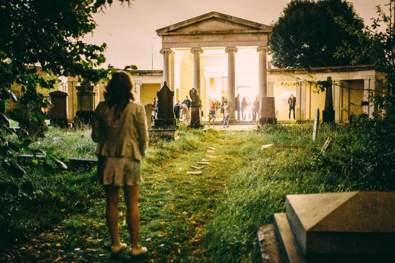 Londra, arte (tutta femminile) al cimitero