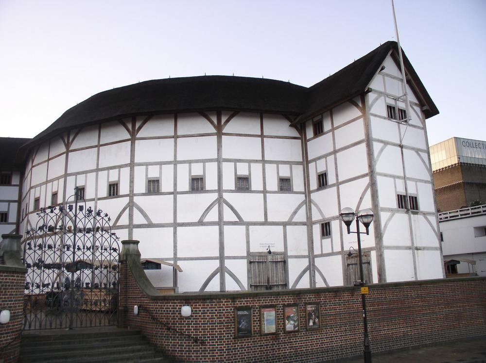 Il Globe Theatre compie vent'anni. Dieci cose da sapere sul più famoso teatro shakeaspeariano.