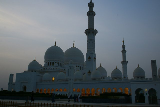 great-mosque-Sheikh-Zayed-Abu-Dhabi