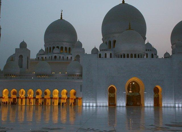 Abu Dhabi, l'altra Dubai (più soft, meno trash)