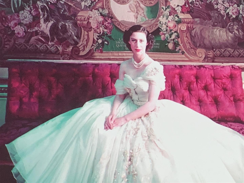 Dior, lo stilista superstizioso, in mostra a Londra