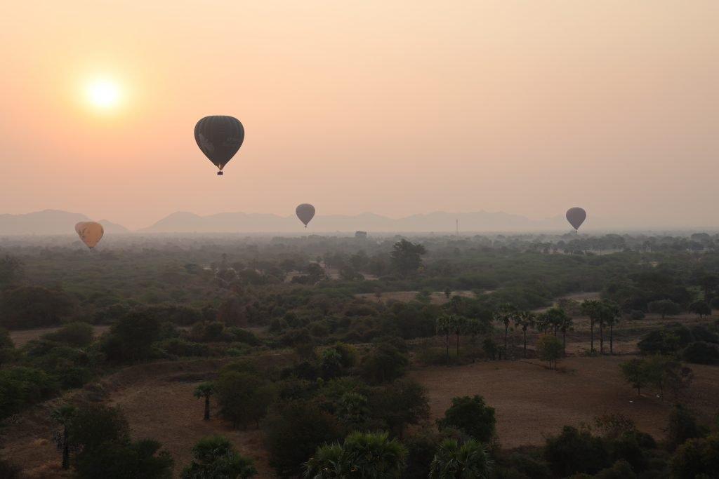 Mongofliere su Bagan