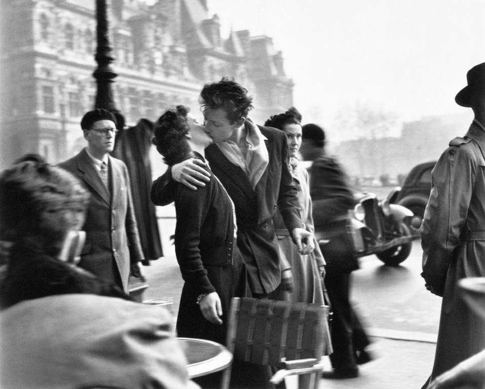 Robert Doisneau, il fotografo dei baci, a Bologna