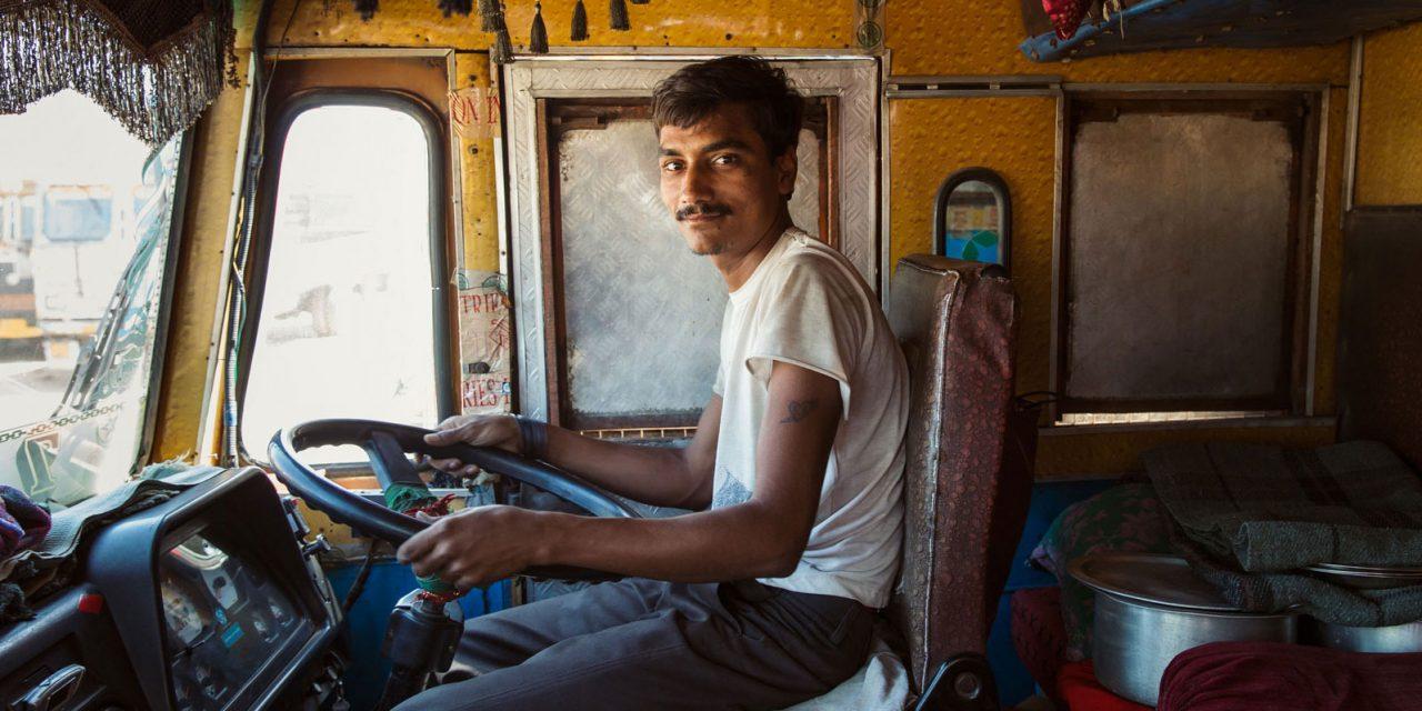 I camion indiani, maestri di colore
